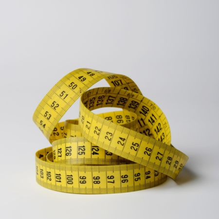 close-up-photo-of-yellow-tape-measure-3143085